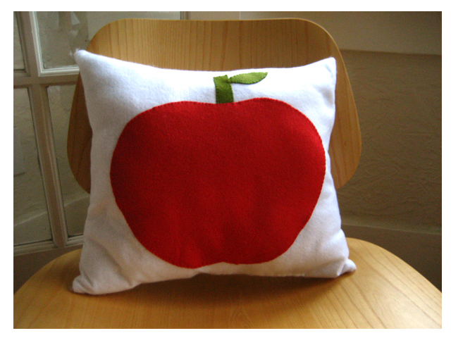 Apple_pillow